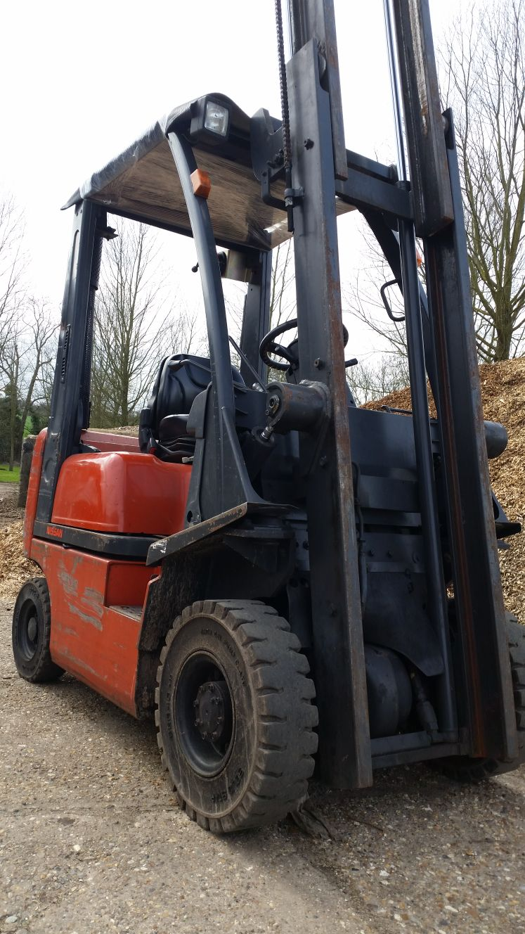 Nissan 1.5 Ton Diesel Counterbalance Forklift