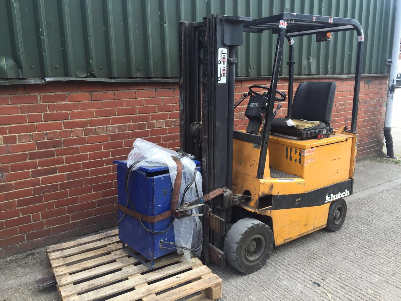 Yale 1.2 Ton Electric Forklift