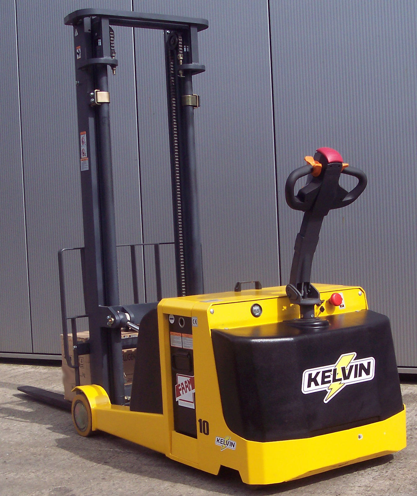 Kelvin KR15 Electric Reach Stacker