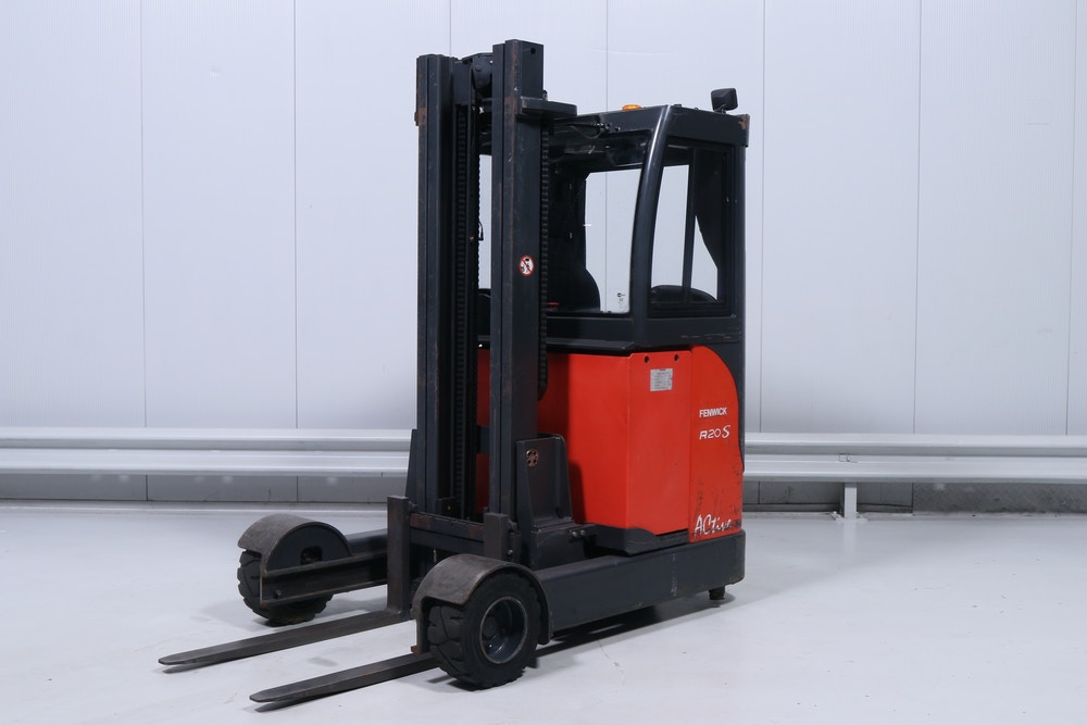 Linde - R20G12 (115) - Indoor/Outdoor Reach Truck