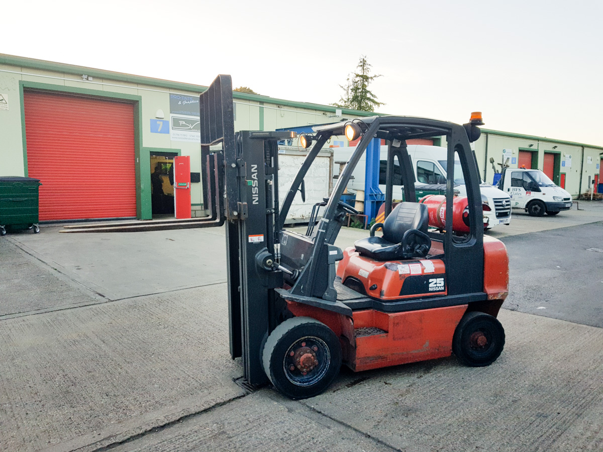 Nissan ROM12 - Gas Forklift
