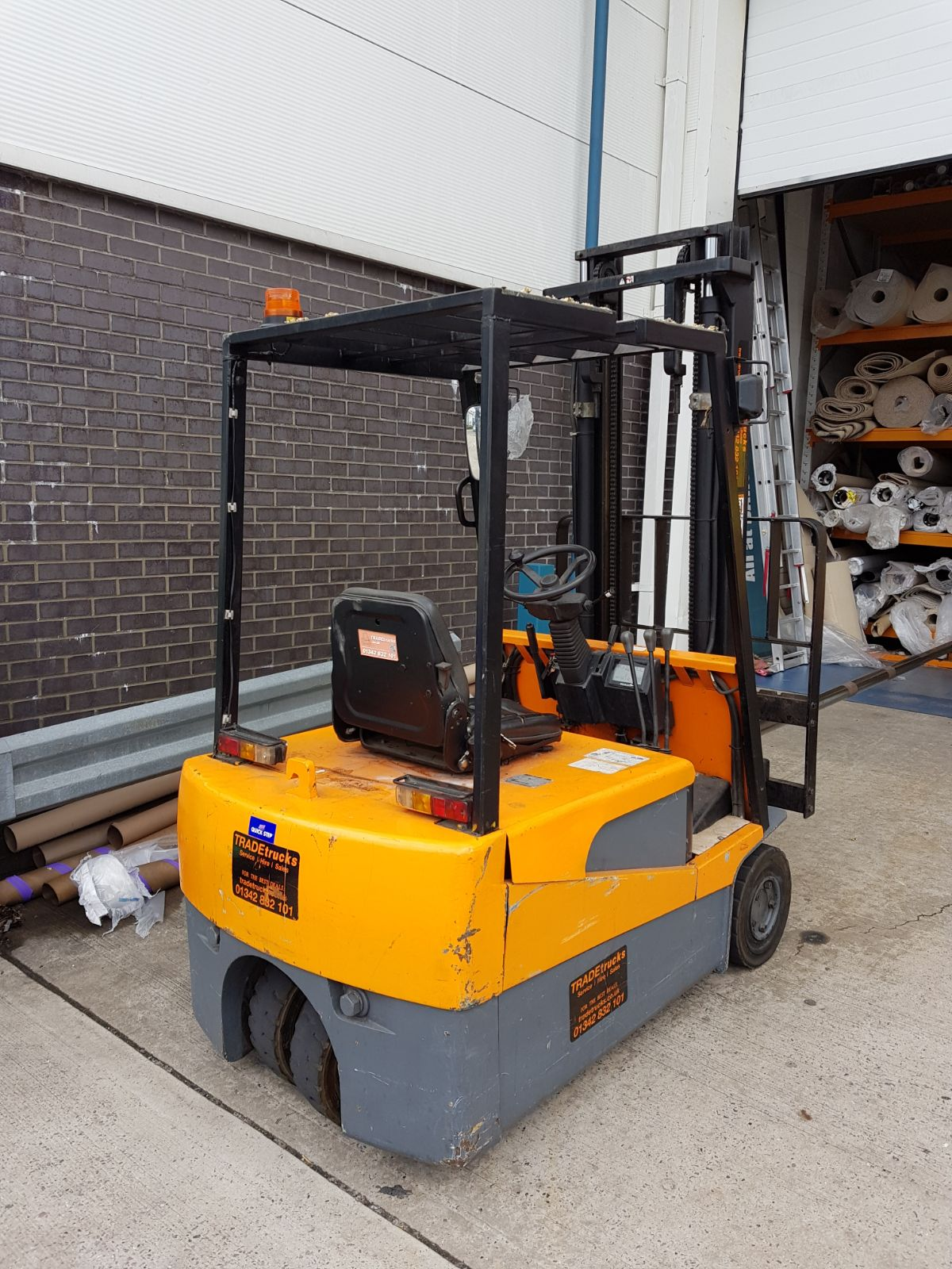 Halla 1.75 Ton 3 Wheel Electric Forklift