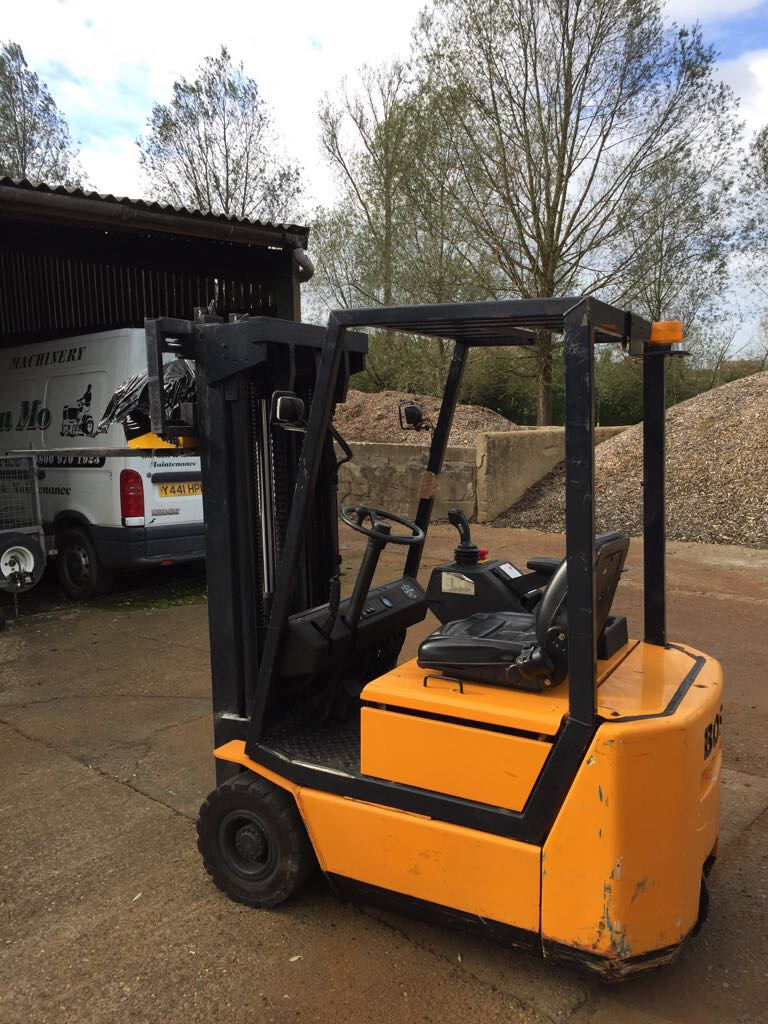 Boss 3 Wheel Electric Forklift