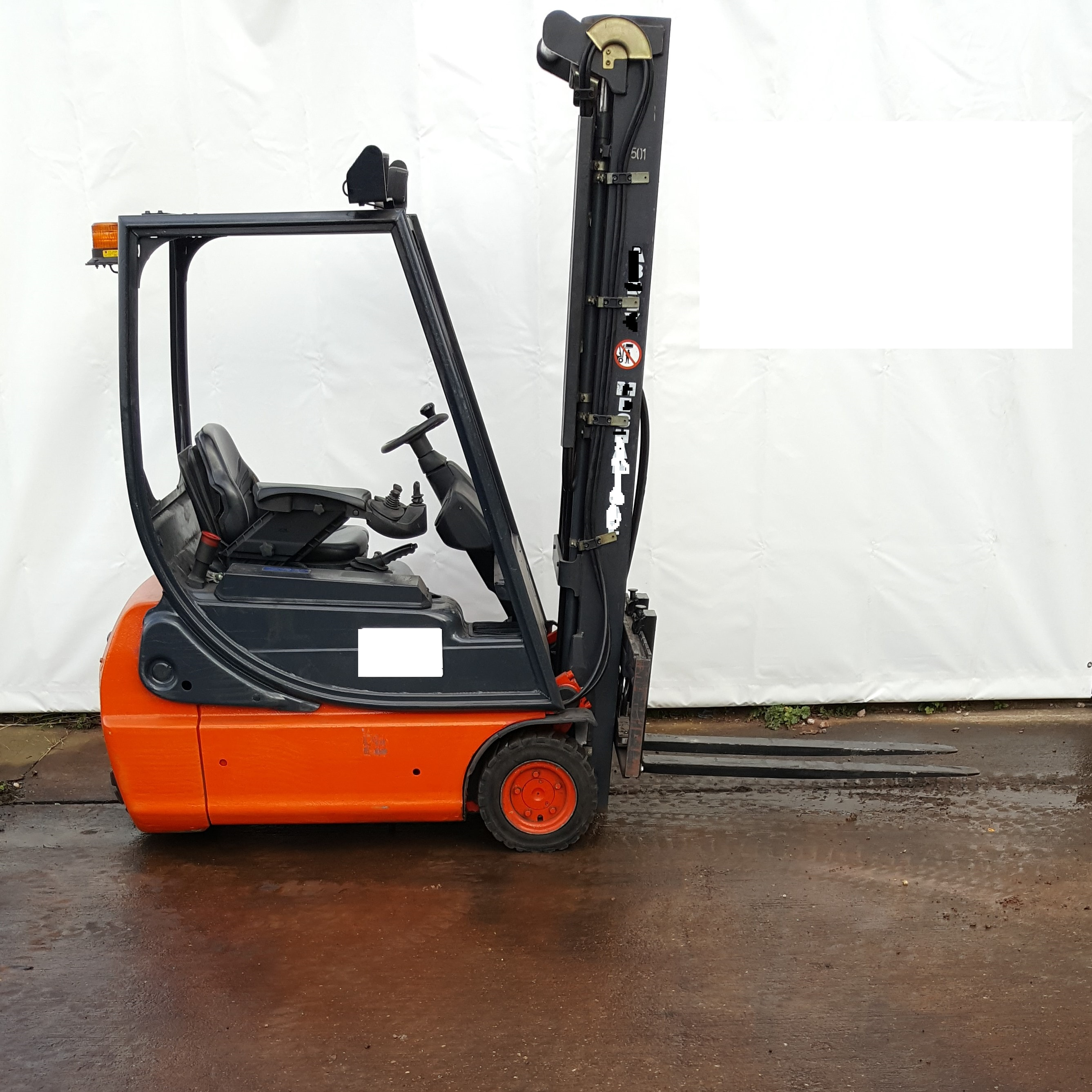Linde 1.6 Ton Electric Forklift